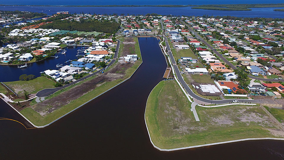 pelican waters 960x540